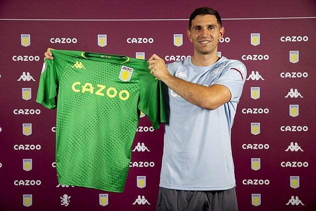 Emiliano Martinez joins Aston Villa