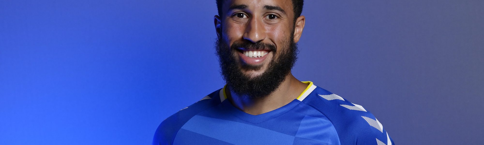 Townsend signs for Everton
